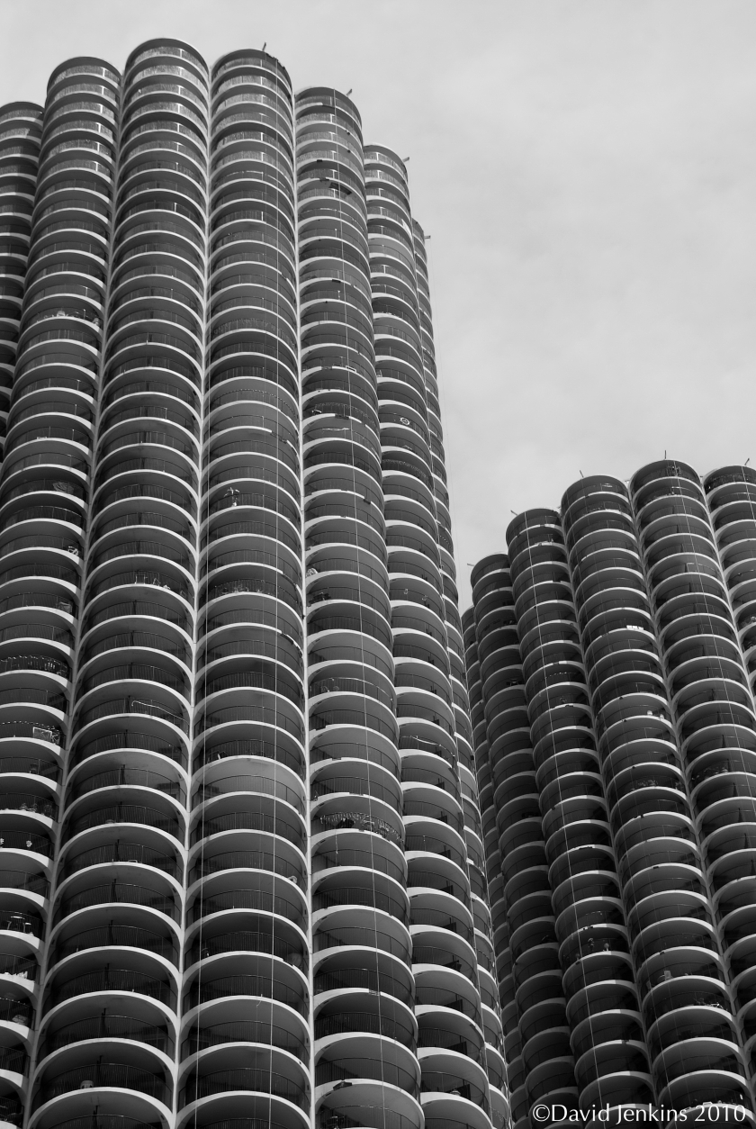 Corn Cob Towers in Chicago were designed by architect Bertrand Goldberg in a modern style.